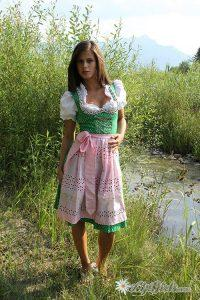 Эротические фото Little Сaprice в образе милой крестьянки