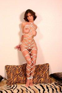Фото голая связанная девушка