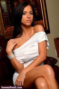 Фото голая молодая красивая девушка Janessa Brazil