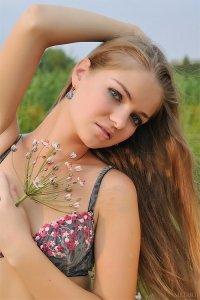 Фото голая молоденькая девушка
