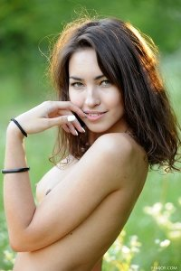 Фото девушки голышом