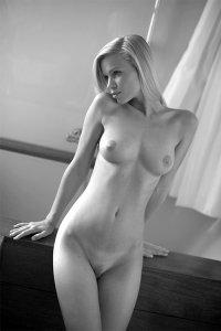 Фото чёрно белая эротика