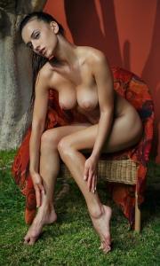 Фото голая барышня