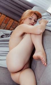 Голая Ева